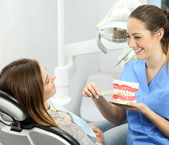 Dentist in Knoxville, TN offers tips for caring for your dentures